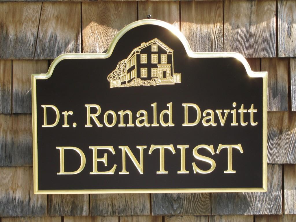 Business Sign, Dr. Davitt